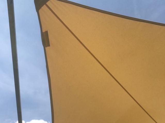 Żagiel przeciwsłoneczny trójkątny - KAMPA Żagle